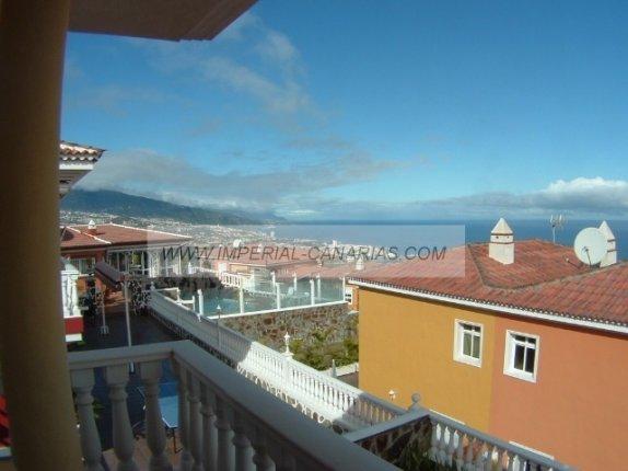 Fabelhafte Doppelhaushälfte in ruhiger Wohnlage von Santa Ursula, mit Garten