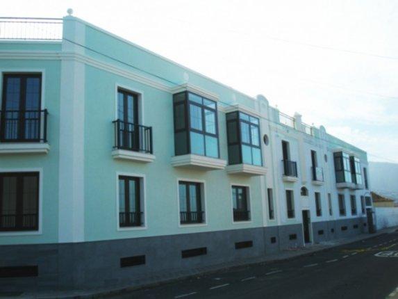 Neubau Wohnungen in La Orotava mit möblierter Einbauküche und Garagenplatz.  klicken zum vergrössern