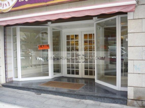 Geschäftslokal in centro  -  Zu vermieten, großzügiges Lokal in zentraler Lage von Puerto, mit Schaufenster