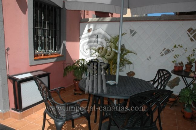 Semi-detached-house in La Matanza  -  LARGE TOWN HOUSE WITH VIEWS TO TEIDE. TOTALLY FURNISHED AND EQUIPPED.