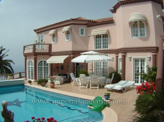 Einfamilienhaus in Casablanca  -  Pr�chtiges Herrenhaus mit eindrucksvollem Blick.