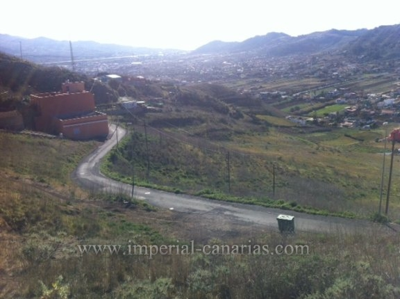 Great Offer, plot in La Laguna to construct 2 houses!!!