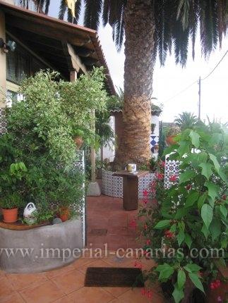 Appartement in Toscas altas  -  Nettes komplett renoviertes Appartement mit privatem Parkplatz in ländlicher Gegend, 10 Fahrminuten zum Puerto de la Cruz.