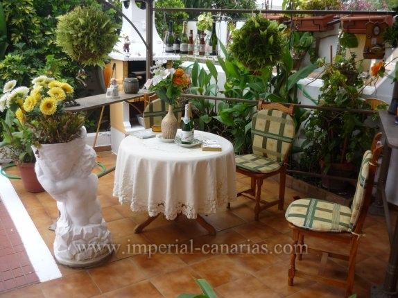 Schönes und gemütliches Reihenhaus in der ruhigen Wohngegend von La Paz mit zwei großen Terrassen