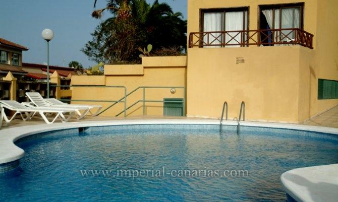 Wohnung in Los Potreros  -  Große Wohnung in Parterre, in bevorzugter Lage der Stadt gelegen. Gemeinschaftspool.