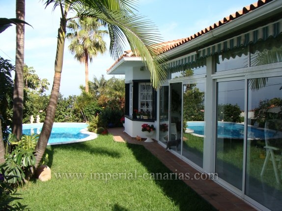Einfamilienhaus in Urb. El Pinalito  -  Sehr gro�es 2 Familienhaus in bester Wohnlage, unterhalb Humboldt