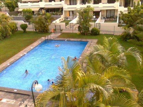 Appartement in Las Arenas  -  Großzügiges und sonniges Appartement in schöner Anlage.
