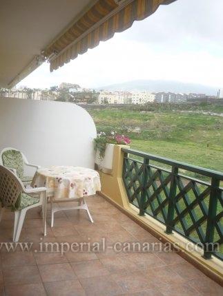 Appartement in Playa Jardin  -  Großes und helles Appartement in Strandnähe mit großem Süd-Balkon. Innenpool, Sauna und Whirlpool.