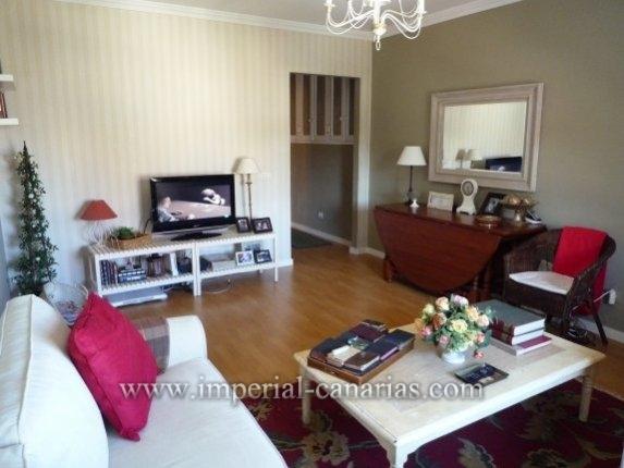 Hübsche und helle Wohnung mit zwei Schlafzimmern im Zentrum von El Sauzal