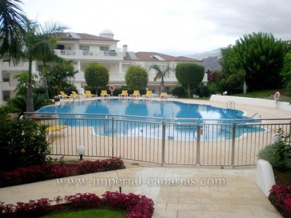 Appartement in La Paz  -  Elegantes Appartement in attraktiver Anlage von La Paz mit beheiztem Pool.