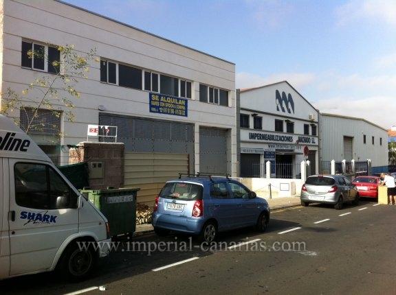 3 Industriehallen in La Orotava. Ab 2.180 €