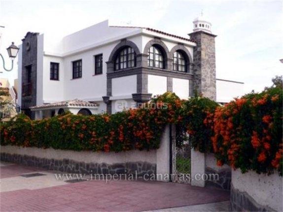 Einfamilienhaus in centro  -  großartige Villa und Garten in Bestlage nahe Zentrum und Strand