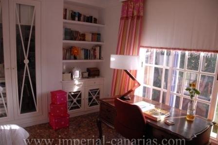 Magnificent villa in desirable area in town centre of El Sauzal.