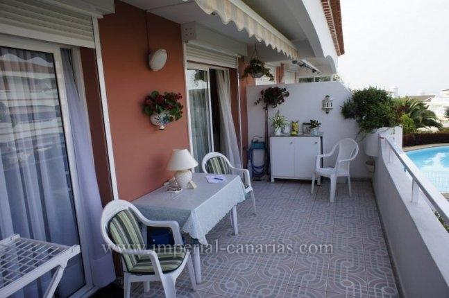 Wunderschönes, luxuriöses Penthouse mit grossen Terrassen und sehr schönem Blick, in einer ruhigen Wohngegend mit 2 Swimming Pools.