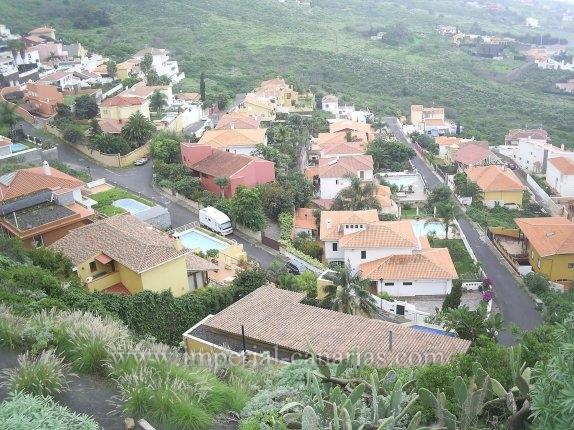 Gran oportunidad, estupenda parcela urbana de 535m2 en la Urbanización La Baranda.
