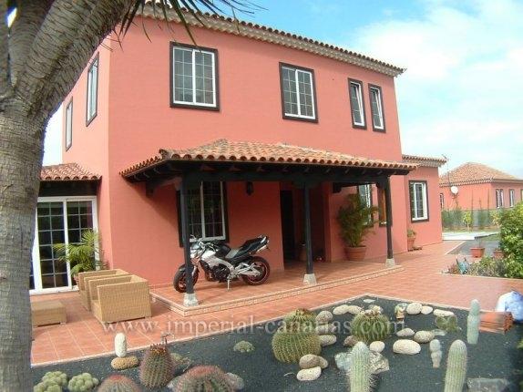 Einfamilienhaus in La Luz  -  Exklusives Einfamilienhaus in bester Nachbarschaft von La Orotava.