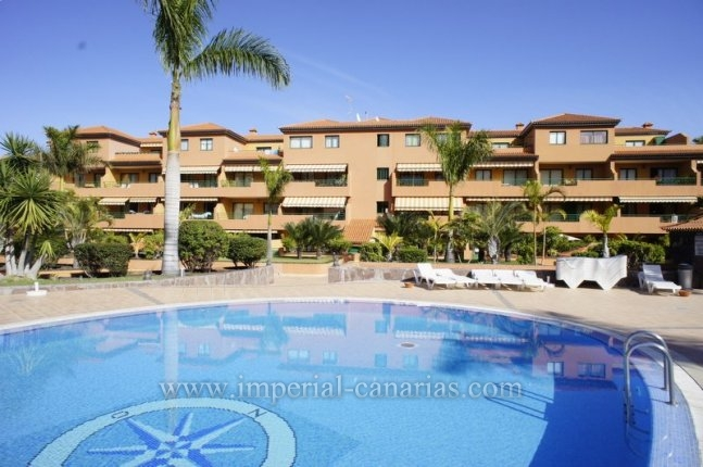 Appartement in San Fernando  -  Schönes neuwertiges Apartment mit grosser Südterrasse und in einem Gebäude mit ansprechender Gartenanlage.