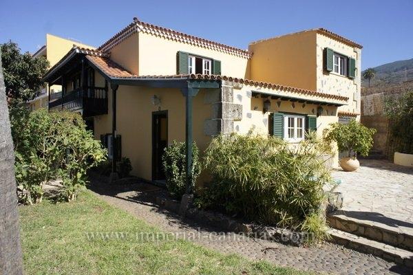Einfamilienhaus in La Victoria  -  Eindrucksvolles kanarisches Landhaus, mit traumhaftem Blick auf die ganze Nordk�ste.