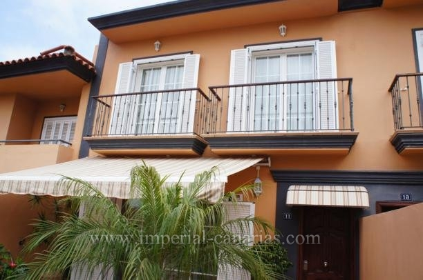 Fantastic attached house in the quiet residential area El Durazno.