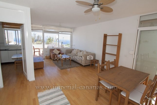 Beautiful and renovated apartment close to the German College.
