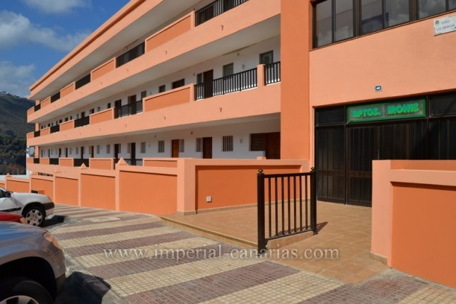 Apartment with impressive sea view located in Playa San Marcos.