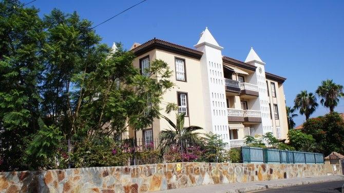 Wohnung in San Antonio  -  Moderne lichtdurchflutete Wohnung mit sonnigem Balkon, Aufzug und schöne Swimmingpoolanlage.
