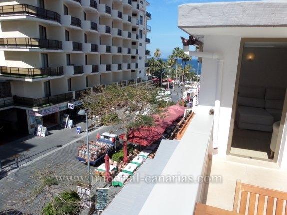 Dieses Penthouse bietet Ihnen die Möglichkeit im Erstbezug Puerto de la Cruz von seiner schönsten Seite zu erleben. Gegenüber des Lago Martianez liegt es in der Fussgängerzone mit sämtlichen Annehmlic