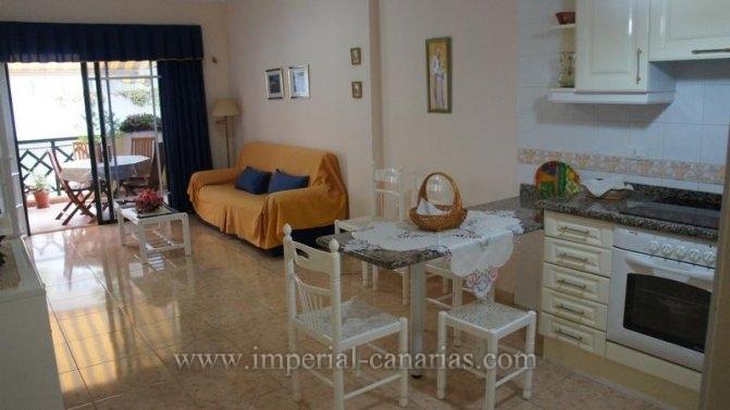 Appartement in Playa Jard�n  -  Genie�en Sie Ihren Aufenthalt in Puerto de la Cruz in der N�he des Strandes Playa Jard�n  in einer h�bschen Wohnung mit einem beheizten Innenpool, Jacuzzi und Sauna.