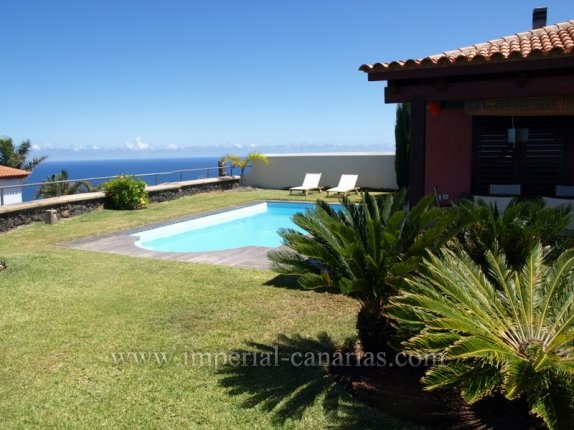 Einfamilienhaus in El Pris  -  Geniessen Sie einen sagenhaften Ausblick von einem sehr schön und gepflegtem Chalé in El Pris.