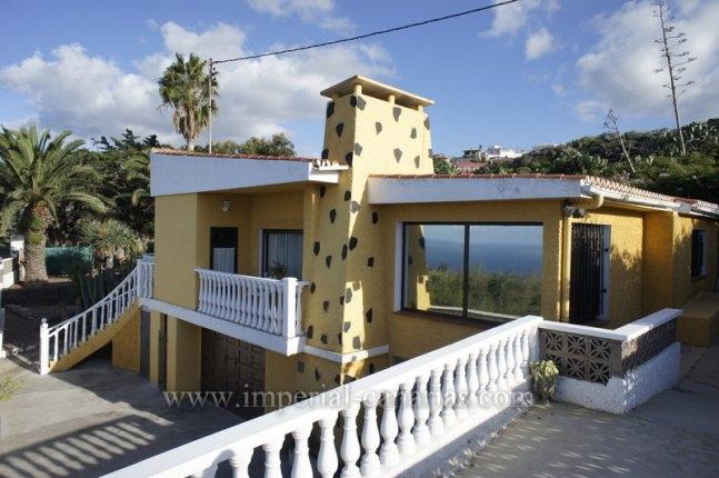 Einfamilienhaus in Guayonje  -  Geniessen Sie pure Natur mit guter Verkehrsanbindung in bester Klimazone!