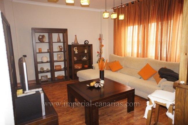 Wohnung in La Orotava  -  Gepflegt und geräumige Wohnung mit drei Schlafzimmer direkt im Zentrum von La Orotava.