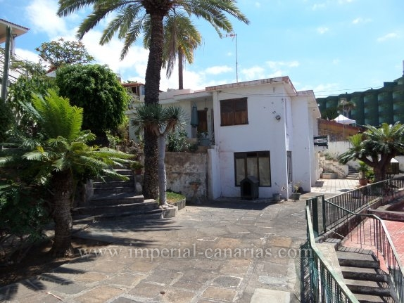 Einfamilienhaus in Sitio Litre  -  Grosszügiges Anwesen im Zentrum der Stadt