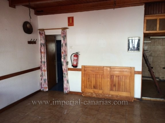 For sale local premise which has been a very well known German Restaurant for over 20 years by the German community of Puerto de la Cruz