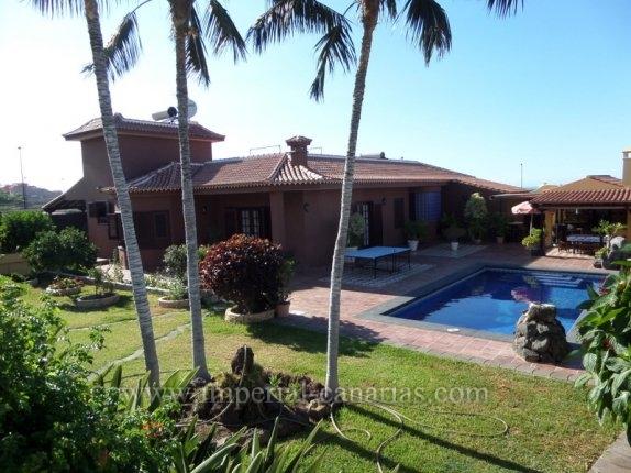 Einfamilienhaus in El Burgado - La Mamora  -  Traumhafte Villa mit alles mögliche und mehr