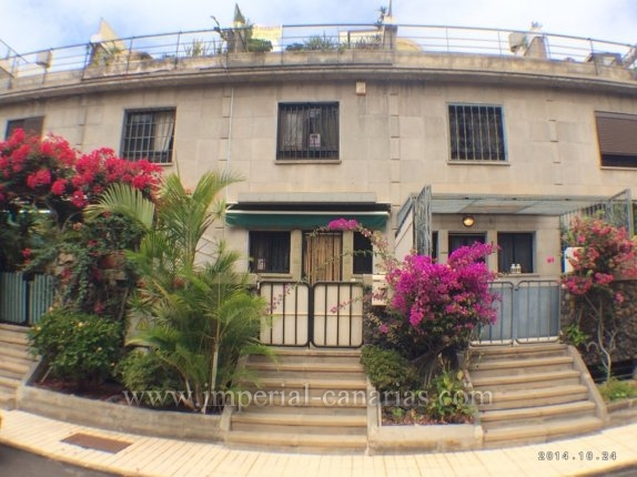 Perfect semidetached house for rent close to the beach ideal for a couple or a small family  click to enlarge the image