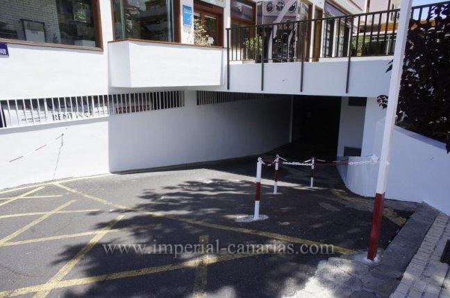 Garage in El Tope  -  Zentral gelegener und zug�nglicher Tiefgaragenpl�tz zu verkaufen.