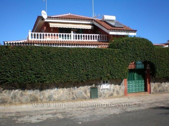 Einfamilienhaus in Camino Real  -  Schöne Villa im modernem und ruhigem Wohngebiet