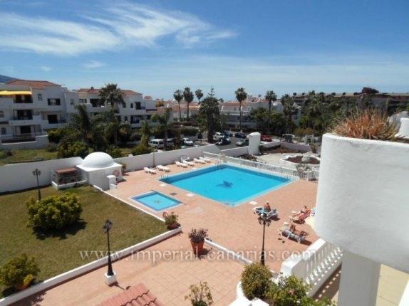 Appartement in La Paz  -  Wenn Sie einen schönen Blick auf den Teide und das Meer von einer grossen Terrasse aus genießen wollen ..... dann ist diese Ihre Miet-Wohnung!!!