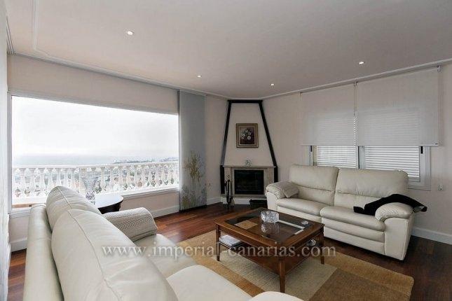Einfamilienhaus in La Montañeta  -  Schöne Villa auf zwei Etagen mit einer spektakulären Aussicht.