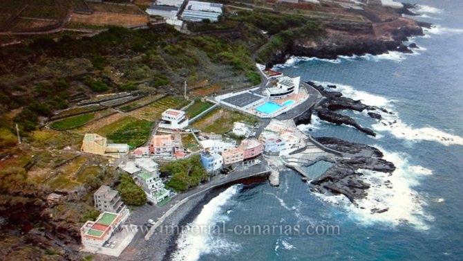Kanarisches Haus in Tejina  -  2-stöckiges Haus am Meer. Es wird direkt vor einem Strand mit einem natürlichen Seewasserpool gelegen.