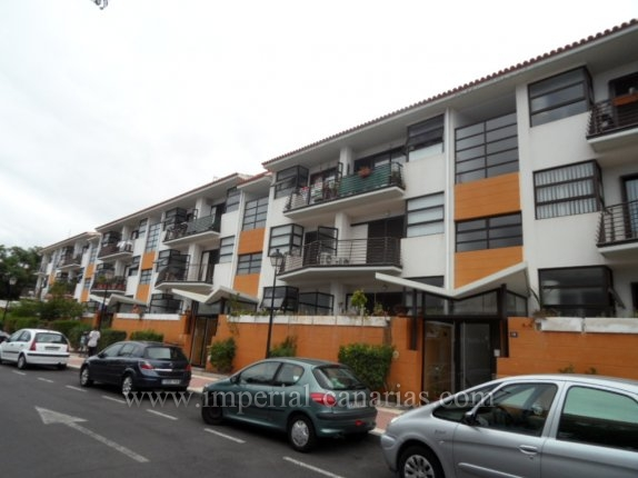 Penthaus in Puerto de la Cruz  -  Schönes Duplex-Penthouse mit drei Schlafzimmern und Mansarde in einem zentral gelegenem Gebäude mit Gemeinschaftspool in Puerto de la Cruz.