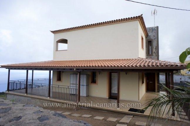 Einfamilienhaus in El Sauzal  -  Schönes Chalet zu vermieten in El Sauzal mit herrlichem Blick.