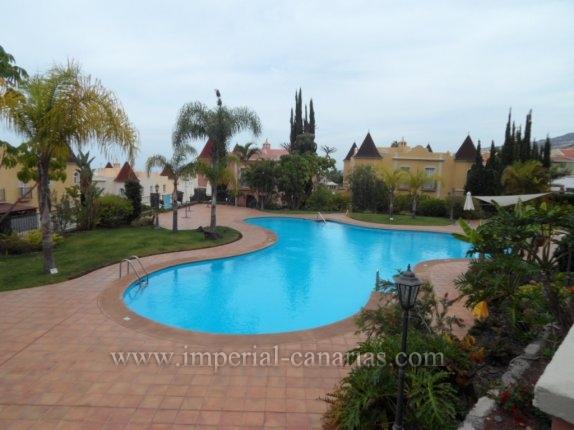 Schöne Wohnung ausgestattet mit Parkplatz und Abstellraum in Urb. La Quinta Park, Santa Ursula