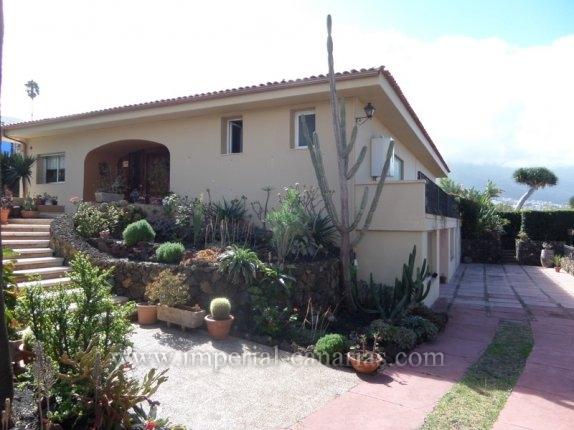 Einfamilienhaus in La Matanza  -  Grossartiges chalet mit 2 Gäste Apartment und Schwimmbad in La Matanza