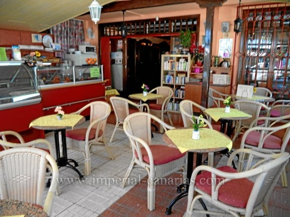 Cafeteria in La Paz  -  Cafeteria in La Paz in Betrieb und Kundschaft.