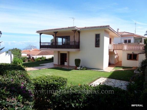 Einfamilienhaus in La Orotava  -