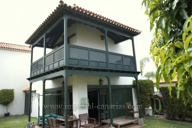 Doppelhaushälfte in Jardines de la Quintana  -  Tolle Doppelhaushälfte mit grossem Garten und grosser Garage!