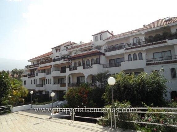Appartement in Parque Taoro  -  Geniessen Sie diese zwei Schlaf- und Badezimmer Wohnung in einer schönen und gepflegter Wohnanlage im Taoro Park.
