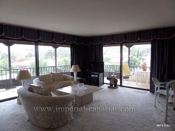 Penthaus in EL Tope  -  Elegante Penthouse Wohnung in dem Wohngebiet von El Tope, mit zwei Schlaf- und Badezimmer mit grossem Balkon und Schwimmbecken.