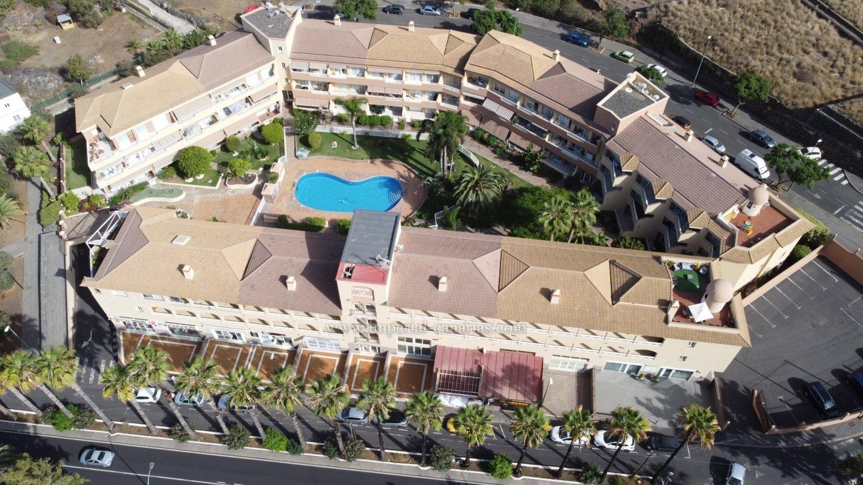 Espléndido ático de todo lujo con 4 dormitorios y 4 terrazas!